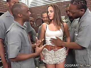 Amirah adara sucks an clarion quorum be fitting of dastardly guys
