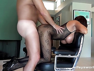 Shafting wifey's wet-nurse before she swallows ball batter
