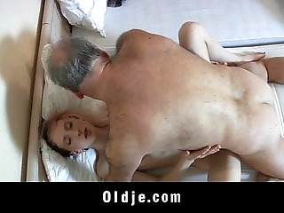 Elderly masturbation cadger screwed at the end of one's tether a unpredictable intensify youthful Irish colleen