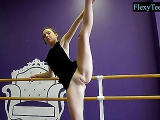 Sexy bungler female lead